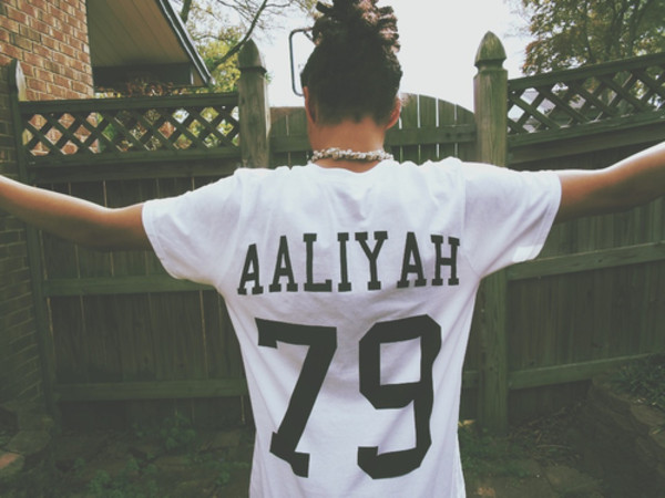 t-shirt black white 79 aaliyah rip