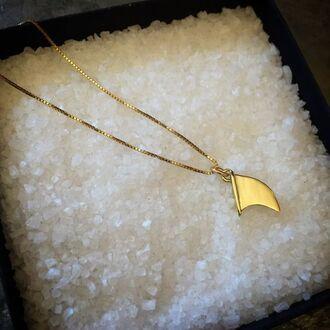 jewels surf necklace