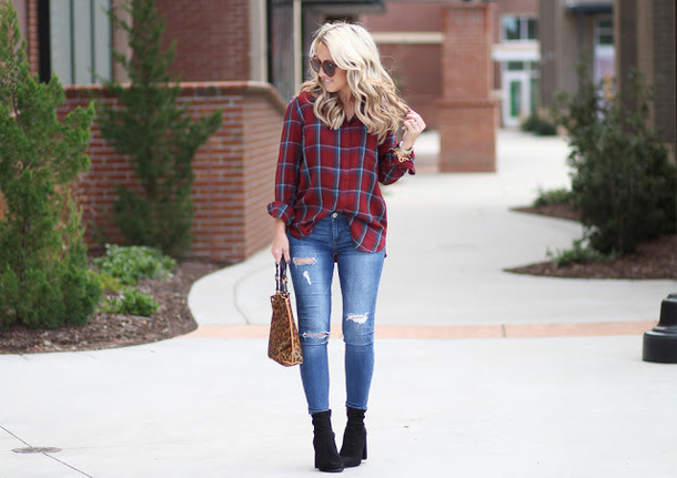twopeasinablog blogger top bag jeans shoes sunglasses fall outfits ankle boots red shirt skinny jeans