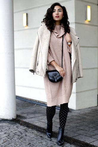samieze blogger dress shearling jacket sweater dress blush pink mini bag tights polka dots tights mini shoulder bag polka dot tights pink dress turtleneck turtleneck dress black bag beige knit dress