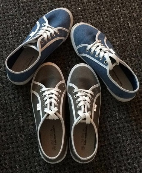 shoes grey shoes grey pumps converse shoes style feet chilling summer outfits summer shoes blue blue shoes comfy cool