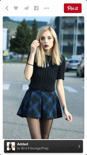 sweater top cropped sweater black crop top crop tops crop t-shirt shirt black top skirt skater skirt grunge grunge top soft grunge plaid plaid skirt high waisted skirt skater