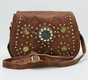 bag,leather bag,half-moon bag,boho bag,boho chic,boho,hand tooled leather bag,tooled leather,tooled bag,tooled leather wallet,coin purse,coins,women,crossbody bag,half moon,boho bags,festival,festival looks,festival chic,gypsy,gypsy bag,gym clothes
