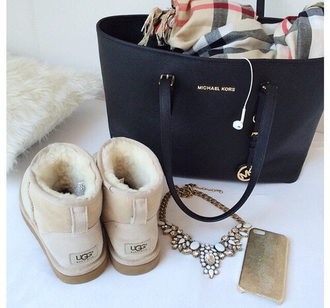 ugg boots boots scarf michael kors bag micheal kors bag iphone cover shoes jewels