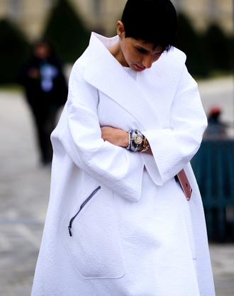 coat tumblr white coat oversized white oversized coat oversized coat bracelets jewels jewelry accessories fashion week 2017 streetstyle