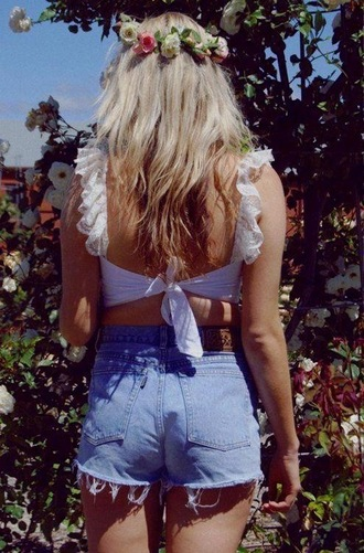 cute shorts flowers vintage tank top hat crop tops ruffle boho bohemian high waisted shorts flower headband flower crown pinterest summer beauty hipster blouse summer blue jean shorts dream tank