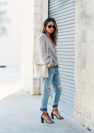 sincerely jules blogger jeans sweater shoes bag sunglasses