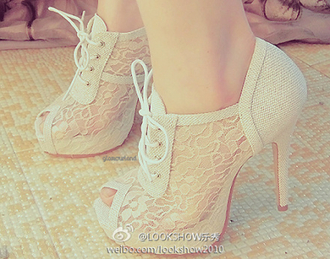shoes vintage lace white off-white cute pale small style wedding heels high heels i love these open toes beautiful pretty gorgeous old new cute high heels fashion