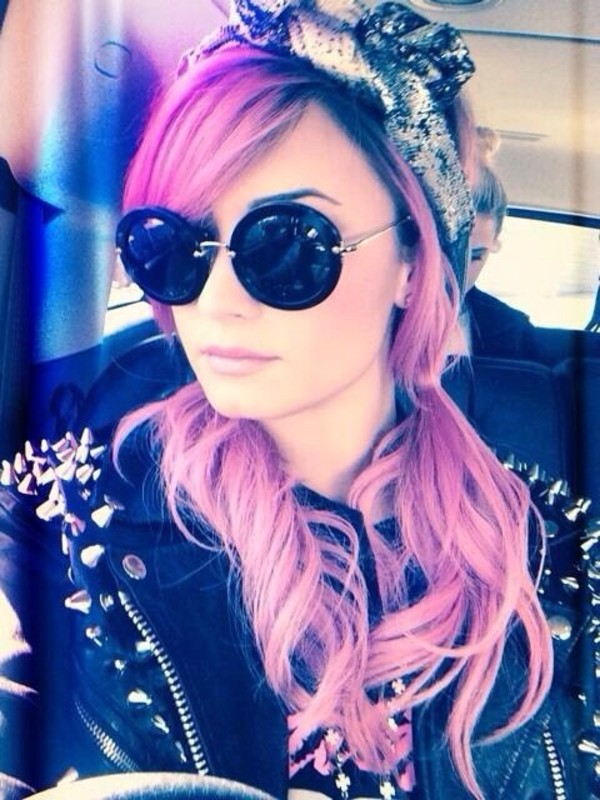 hat demi lovato black grey hat bandana sunglasses