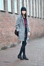 coat,black beanie,grey coat,purple shirt,blakc tights,black ankle boots,blogger