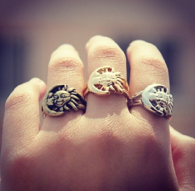 Poppy's little closet — sun and moon ring silver colour