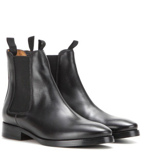 Acne Studios Bess Leather Chelsea Boots in black