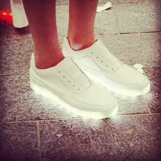 shoes sneakers all white everything light bright shine luminous shoes bright sneakers