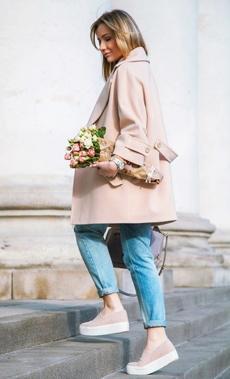 coat winter coat trench coat fur coat long coat fall coat grey coat yellow coat fuzzy coat camel coat pink beige lookbook streetwear streetstyle fashion toast fashion vibe fashion is a playground outfit outfit idea fall outfits tumblr outfit