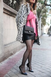 coat,tumblr,fur coat,leopard print,animal print,printed coat,skirt,mini skirt,black skirt,leather skirt,black leather skirt,tights,bag,black bag,sweater,pink sweater,pumps,pointed toe pumps,high heel pumps,printed fur coat