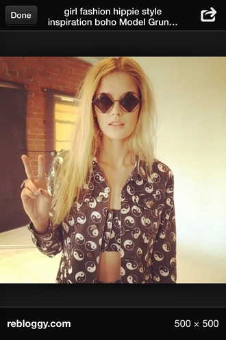 black sunnies sunglasses vintage diamonds shirt