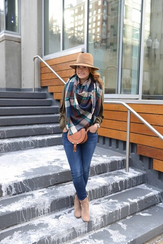live more beautifully blogger top jeans scarf hat shoes jewels