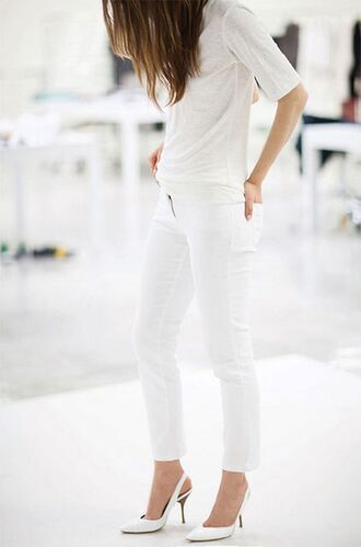 blouse chic idea white skinny jeans all white everything outfit white t-shirt white heels leather flats