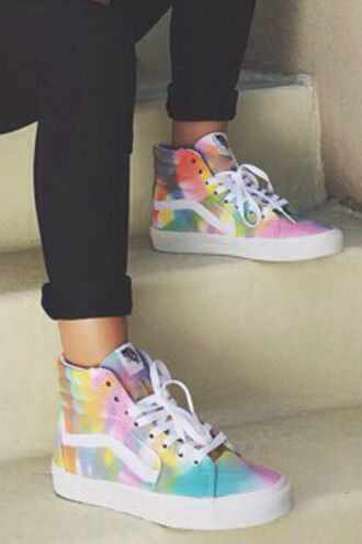 shoes tie dye sk8-hi vans colorful rainbow vans of the wall sk8 skater high top sneakers sneakers white sneakersaddict fashion crunge hippie hipster skater shoes skater girl 90s style 90s grunge hip hop
