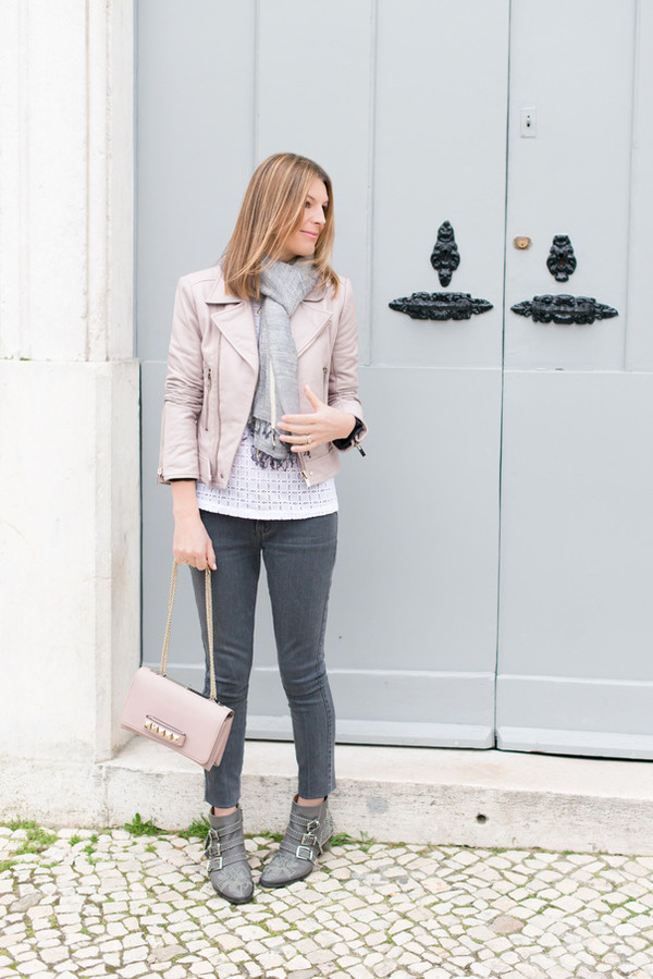 the working girl scarf jacket bag t-shirt jeans shoes