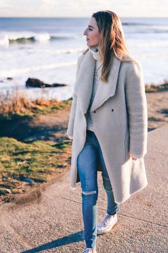 prosecco and plaid blogger sweater coat jeans