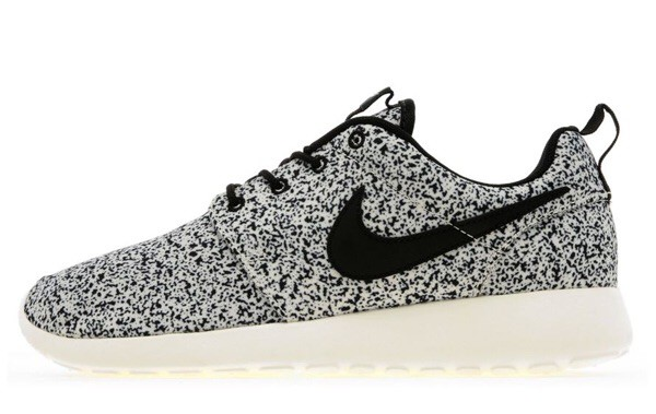 0a5b9b7b22518a speckled roshe runs for sale Boys nike shox ...