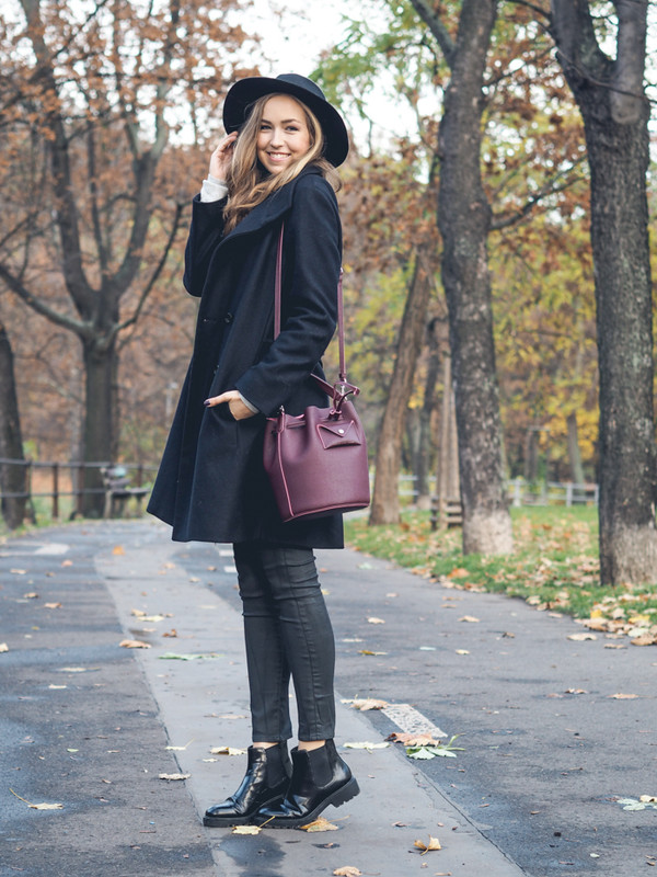 a cup of style blogger wool coat bucket bag fall accessories