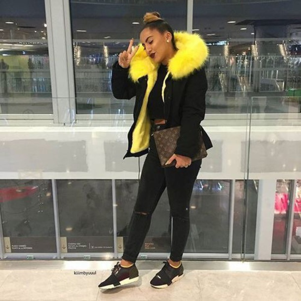 coat black coat fur yellow black yellow coat