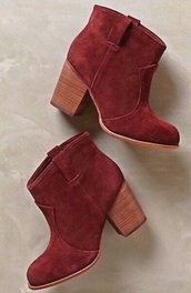 shoes,ankle boots,boots,booties,red,maroon/burgundy,maroon,red boots,burgundy,burgundy boots,maroon boots,heel,heels,cute,fall boots,fall outfits,fall colors,trendy