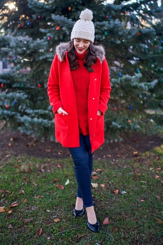 covering bases curvy blogger coat jeans sweater hat make-up jewels winter outfits beanie red coat red sweater skinny jeans