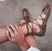 shoes,eyelet detail,flats,pumps,lace-up shoes