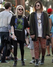 shirt,frances bean cobain,leggings