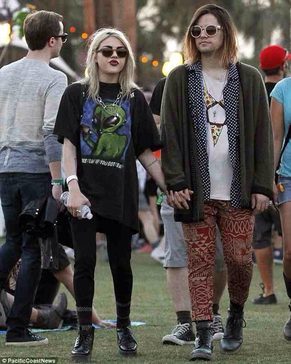 shirt frances bean cobain leggings