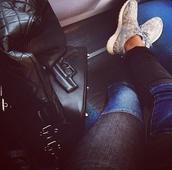 jeans,gun,nike,sneakers,shoes,travel,bag,nike roshe run,perfect,perfecto,pants,vlieger&vandam