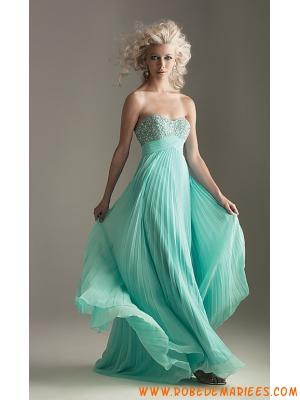 Robe de soirée adorable robe empire sans bretelle décorée de ruches et de perles
