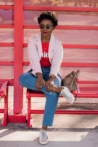 bag pinksole blogger sunglasses jewels jacket t-shirt jeans shoes sneakers pink jacket red t-shirt