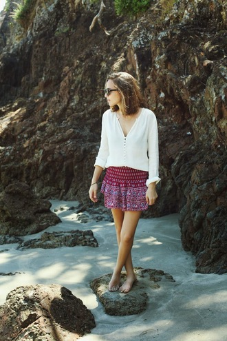snakes nest blogger skirt top sunglasses