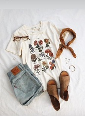 blouse,flowers,shirt,boots