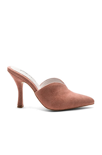 heel pink shoes