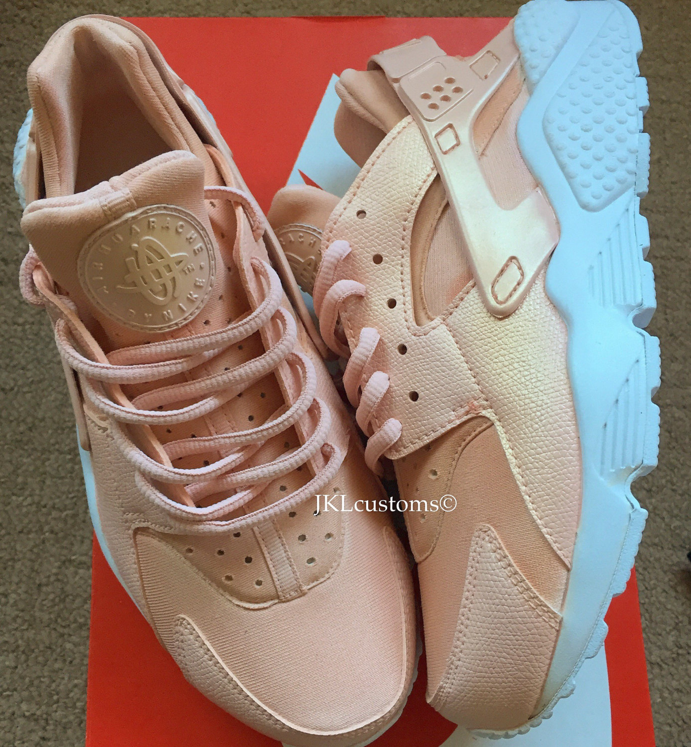 b6dd85de8357 ROSE GOLD PEARL Nike Air Huarache White sole