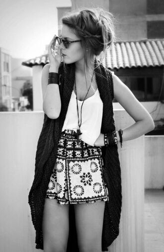 skirt pattern summer sweater blouse shorts boho printed shorts vest top bohemian outfit sunglasses relaxed clothes hippie bracelets polyvore pinterest white flowy fashion white top highwastedshorts festival grunge floral indie hispter loose fit shorts loose crop tops