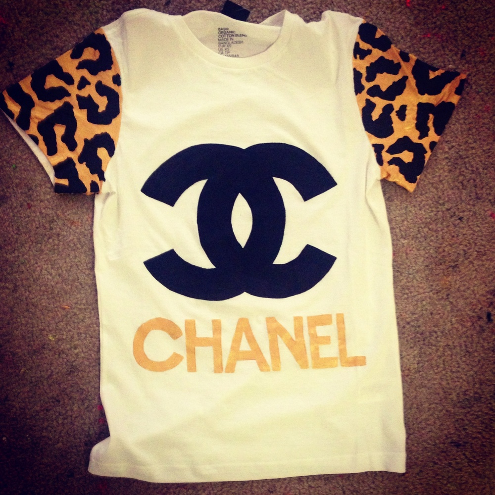 Wealth harte chanel inspired t shirt leopard sleeves for Authentic chanel logo t shirt