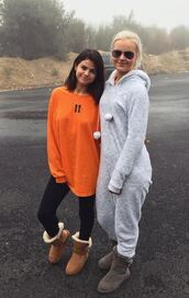 shoes,sweater,sweatshirt,orange,selena gomez,snapchat,ugg boots