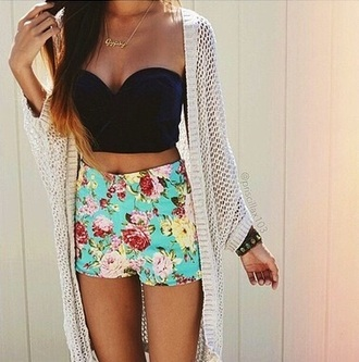shorts blue floral black white jewelry gold flowered shorts black crop top black top high waisted shorts cardigan knitted cardigan clothes outfit summer necklace jewels gold necklace