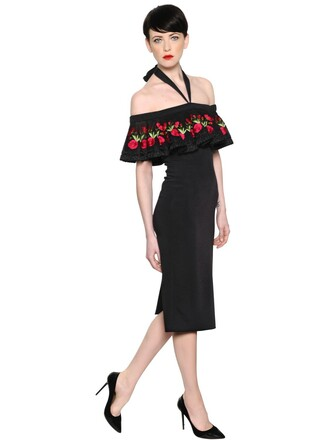 dress embroidered black red
