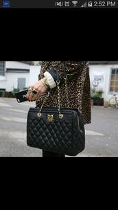 bag,purse,shoulder bag,quilted leather snapback,quilted bag