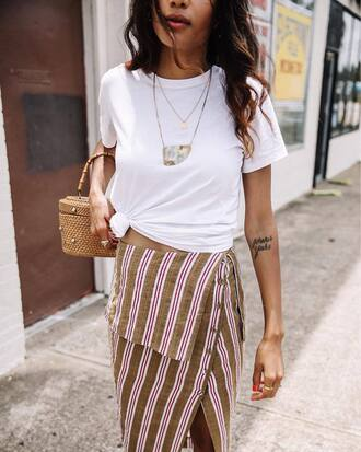 t-shirt tumblr white t-shirt skirt slit skirt stripes striped skirt necklace gold necklace bag woven bag jewels