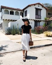 skirt,white skirt,top,black top,hat,black hat,shoes
