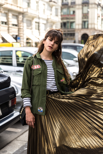 the fashion fraction blogger pleated skirt metallic skirt long skirt patch striped top army green jacket fall outfits