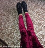 jeans,burgundy leggings,velvet,grunge,rock